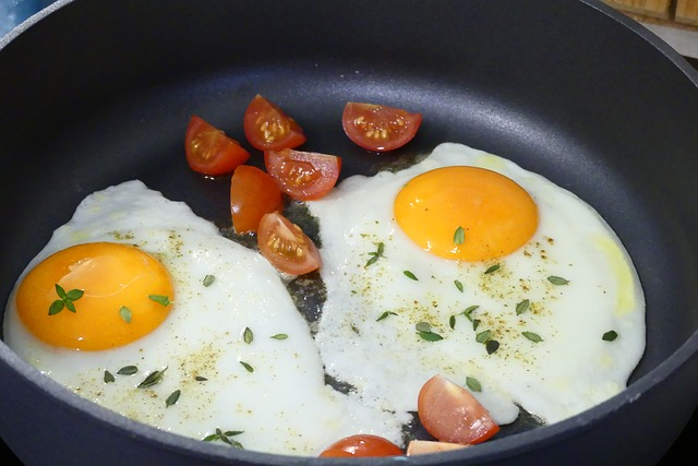 The Best Pan For Eggs Over Easy Best Kitchen Guides